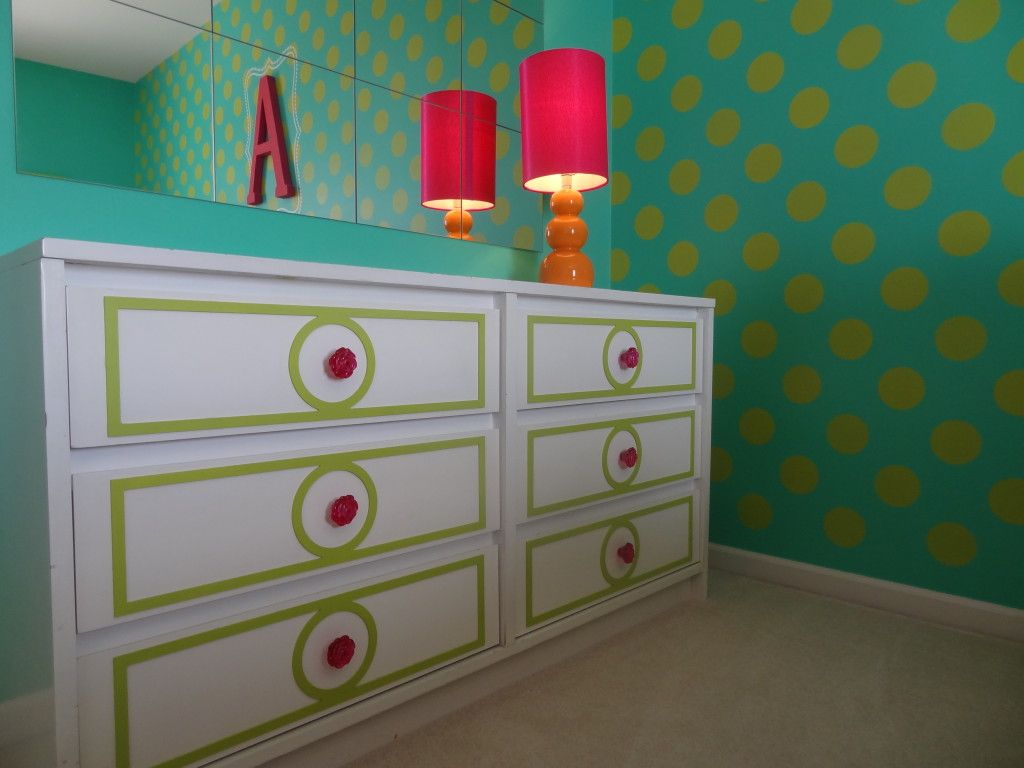 This dresser was transformed with drawer fronts from @My O'verlays and knobs from @Hobby Lobby! #biggirlroom  #kidsroom