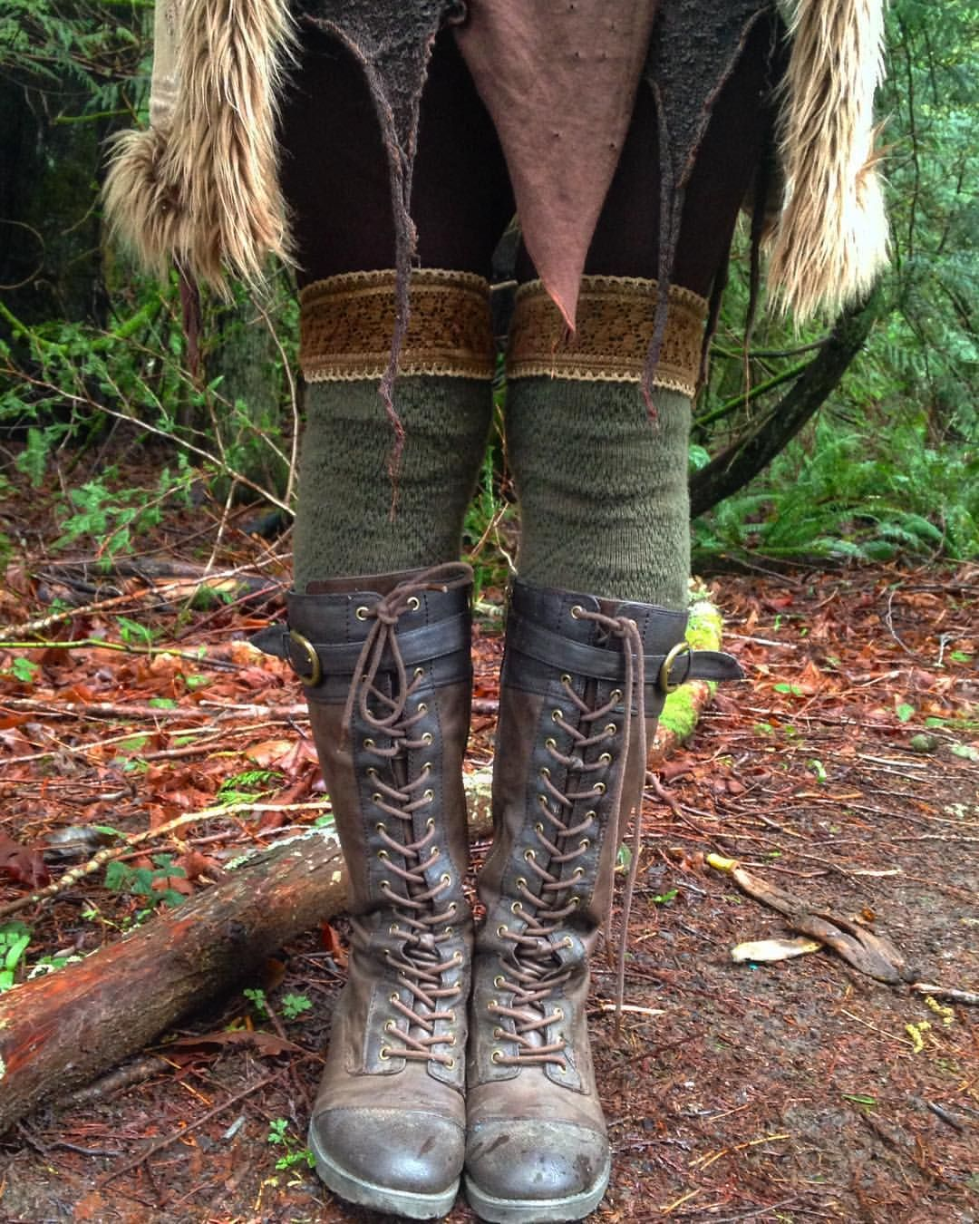 elfofthewoodlandrealm: I really don't know what I'm going to do when the weather gets warmer and crazy layers + cute socks ceases to be practical….it's always such a bittersweet change! ☀️ The boyfriend gifted me these particular socks. They have a trim that was sewn on and naturally dyed by him…and they are my very favorite pair that I own