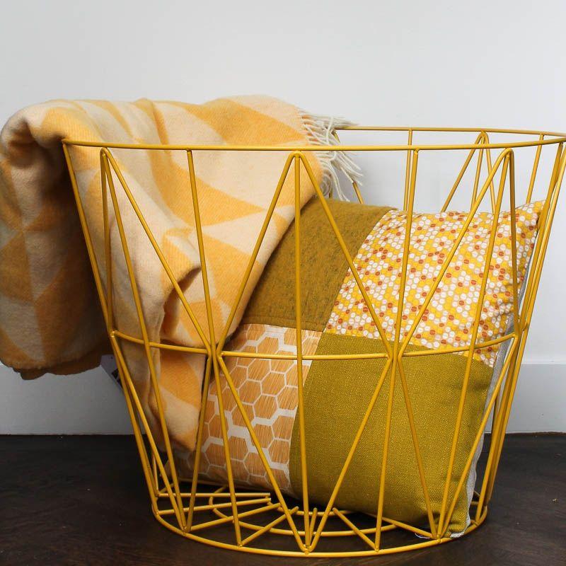 Plaid merino geel  Inrichting nieuw huis  Slaapkamer