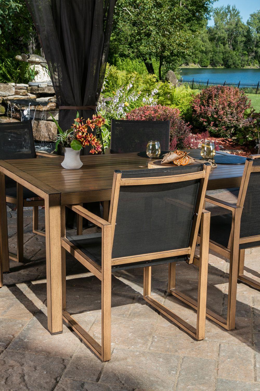 Table Santa Barbara Fait En Aluminium Avec Dessus En Lattes Et