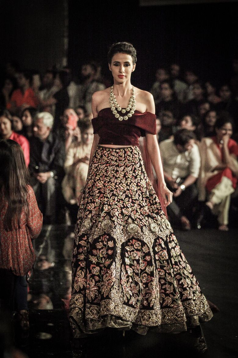 Manish Malhotra Wedding Dresses Pakistani Indian Bridal Lehenga