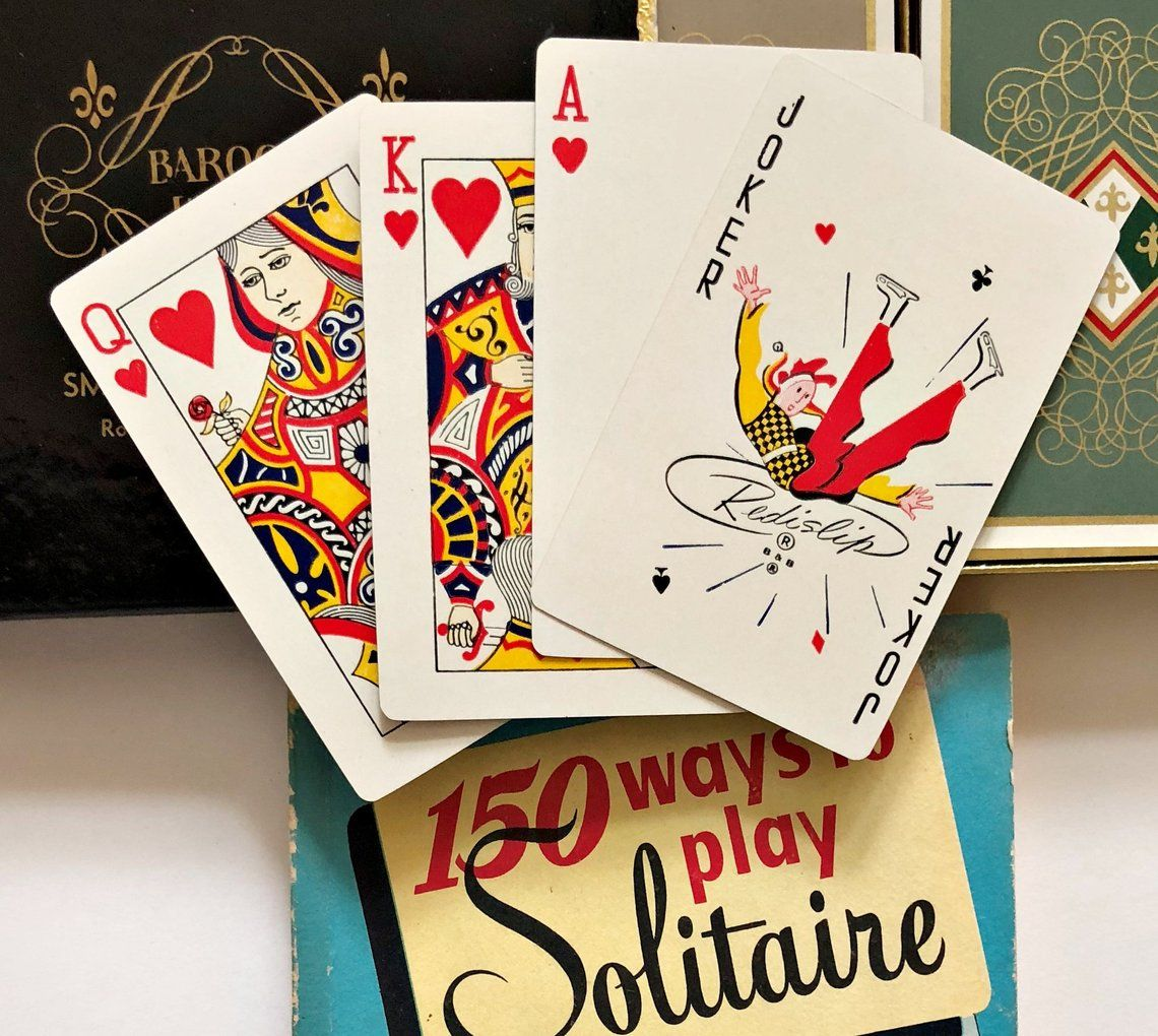 Card game gift set 1950 with double deck boxed playing