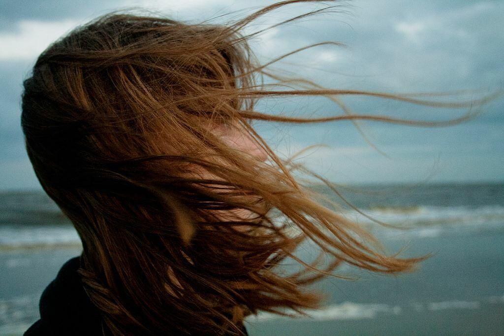 серьезные картинка волос на ветру документа должен строго