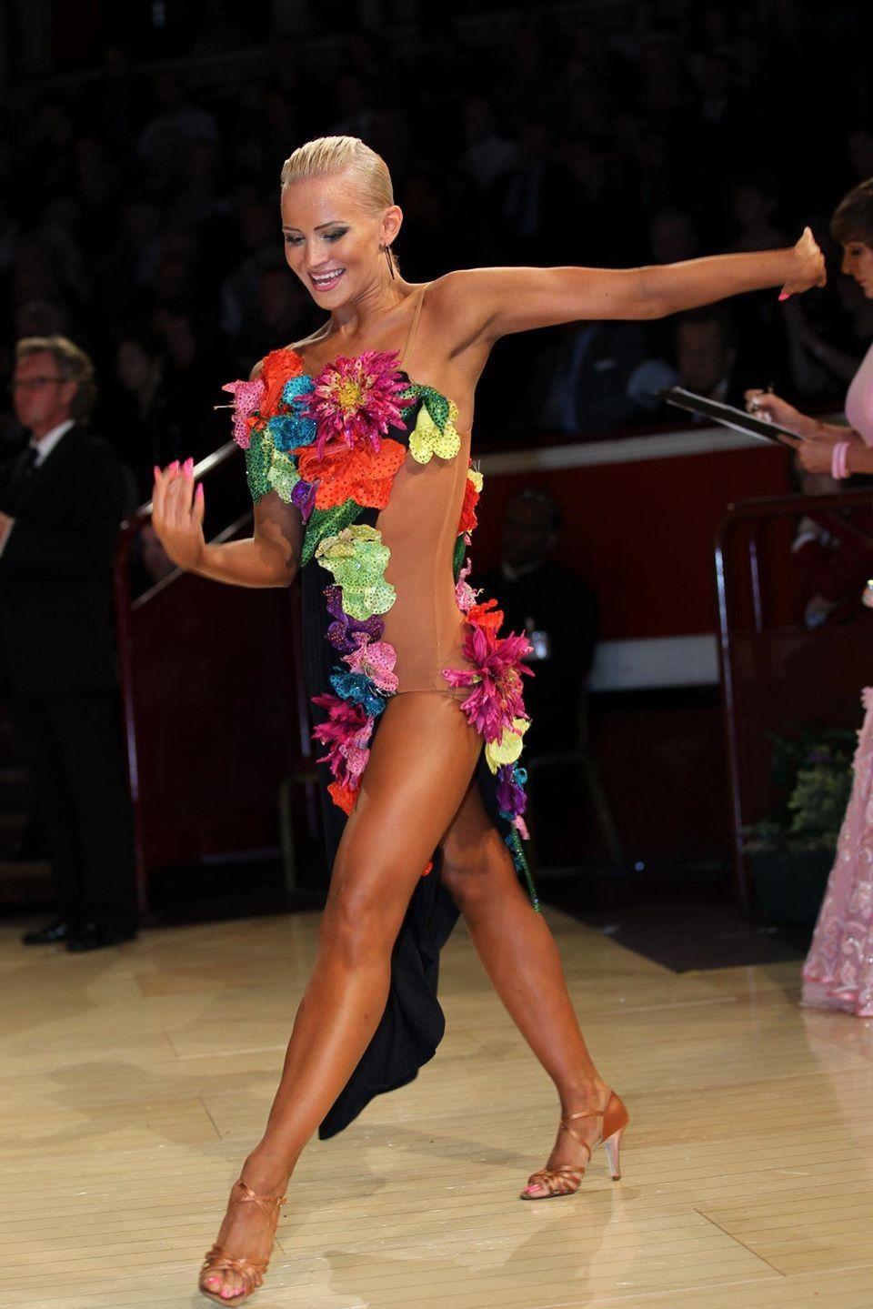 Vesa design latin dress pictures