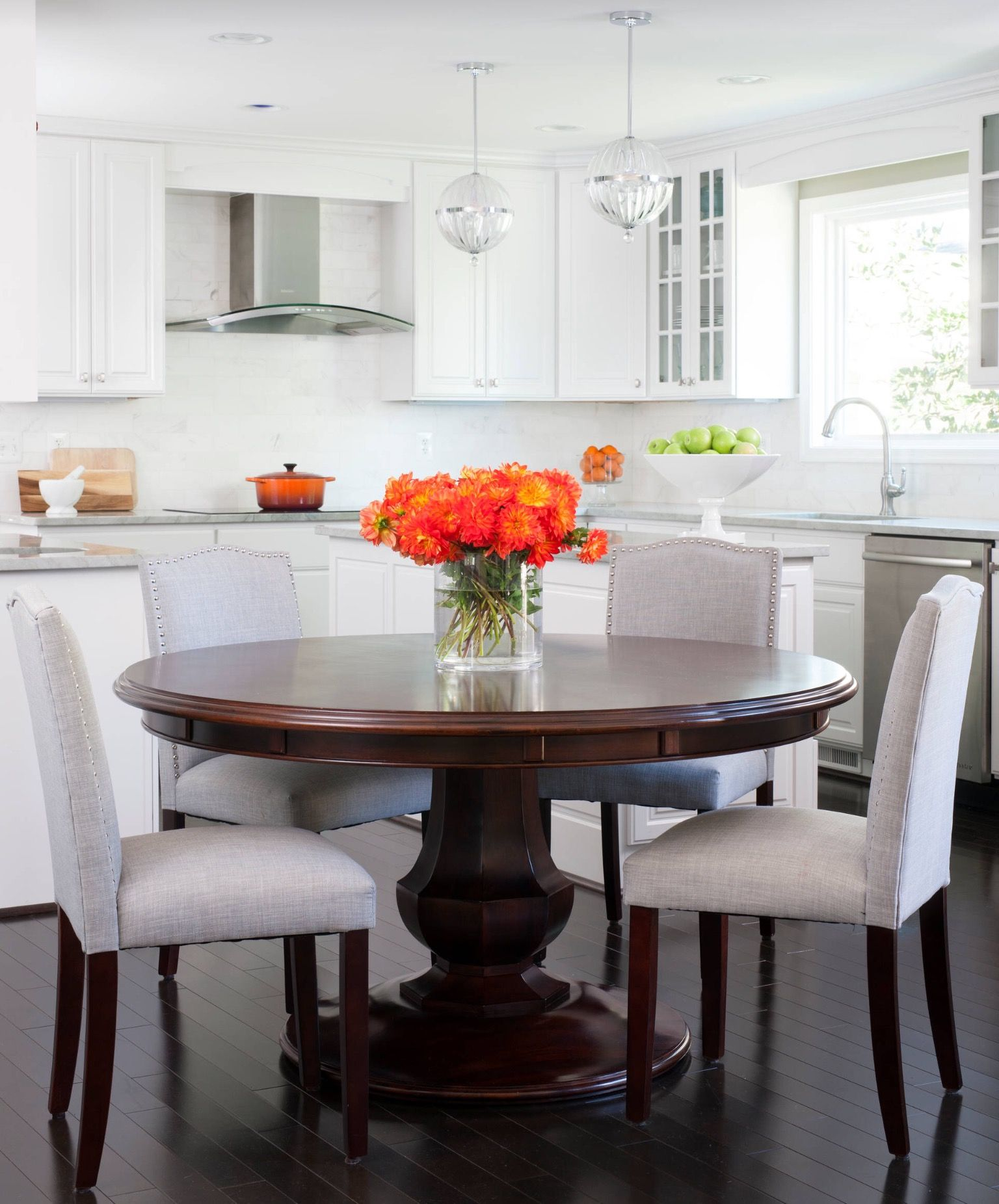 Home Staging Dining Room Table: Pin De Tisha Perez En Dining Rooms