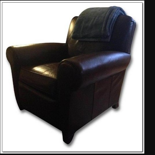 This Pottery Barn Manhattan Leather Club Chair Review
