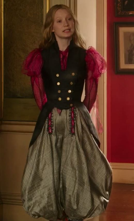 Alice Through The Looking Glass Alice Alice Cosplay Alice In