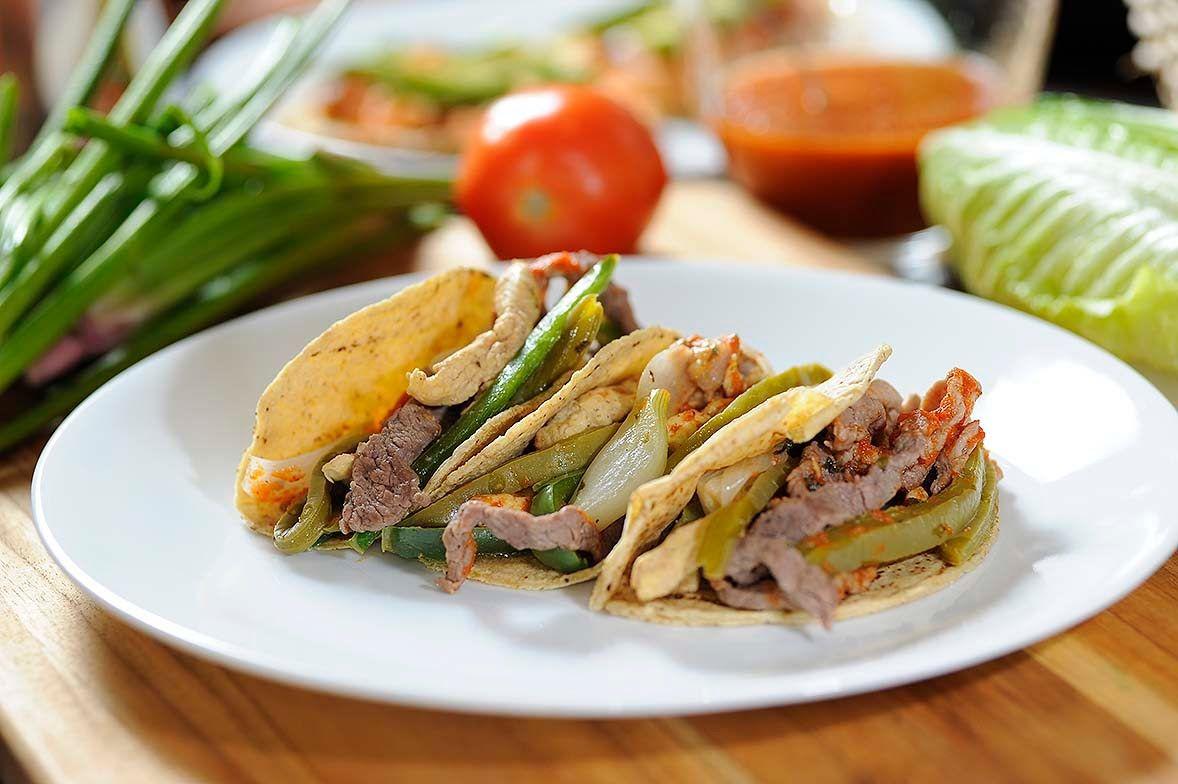 Tacos de carnes mixtas con nopales - Receta fácil de preparar