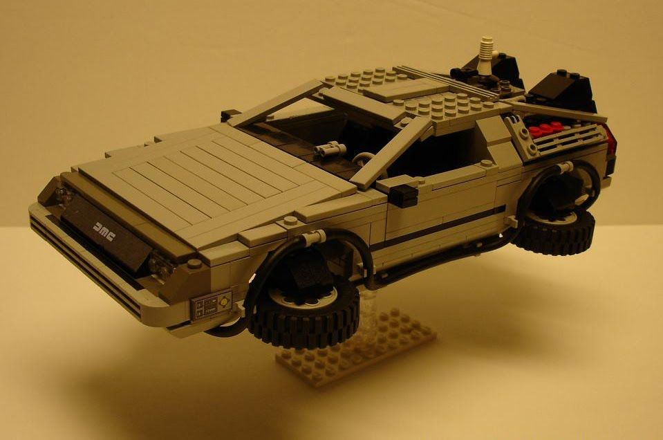 El mejor DeLorean (volador) de LEGO.