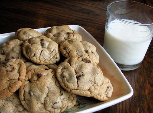 A recipe for the BEST chocolate chip cookies!