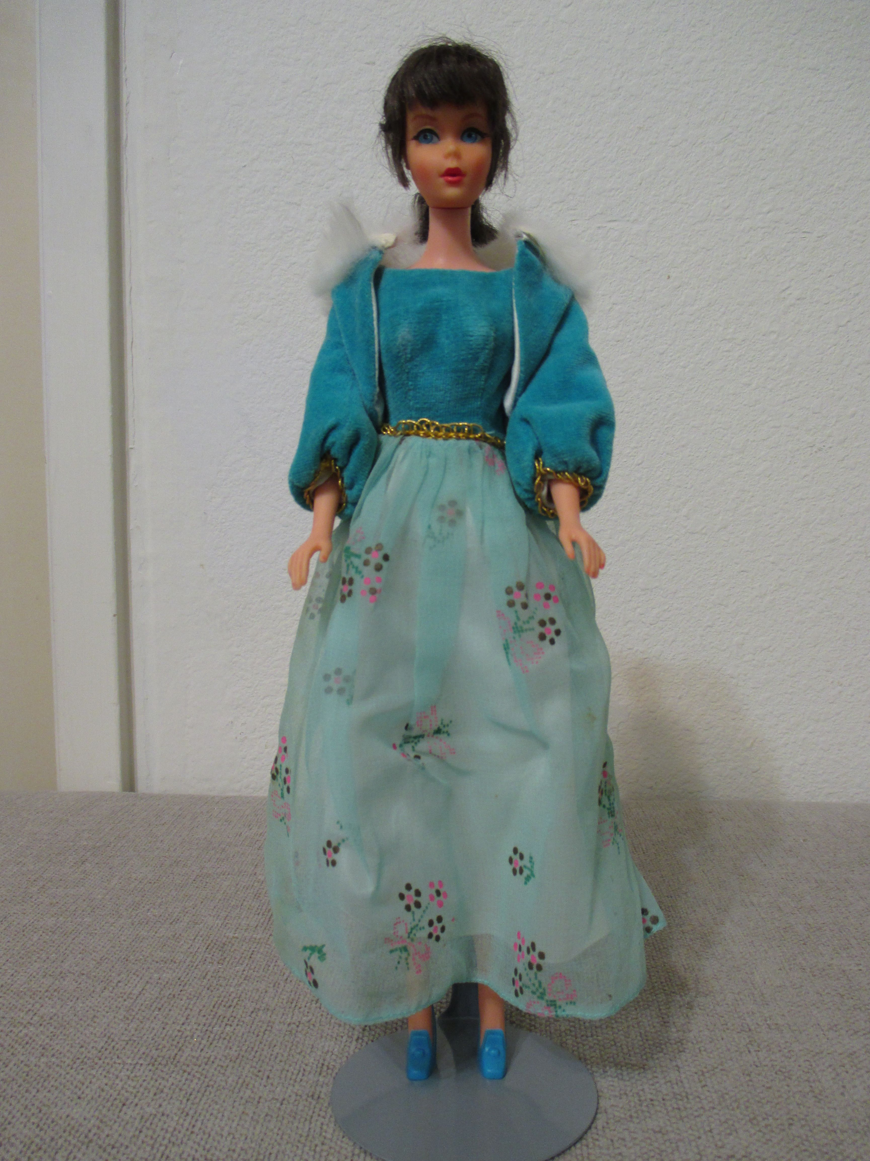 Local Craigslist Find With Images High Waisted Skirt Fashion Vintage Barbie Dolls