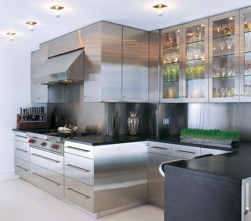 Stainless steel kitchen design for elegant airy and also warm