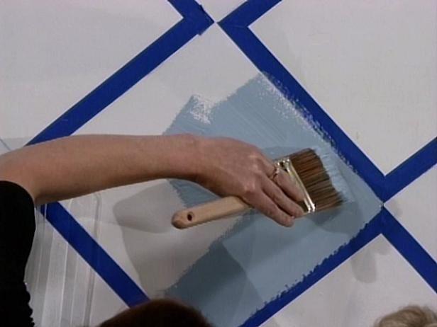 Comment Peindre Des Motifs Sur Un Plancher En Bois? | Planchers En