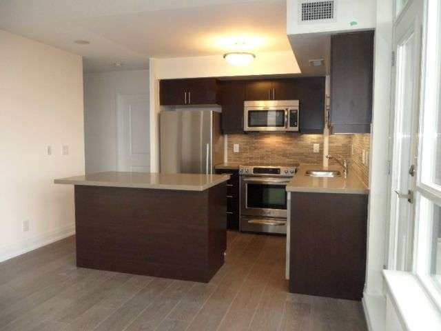 Full House With 3 Bedrooms And 2 Washrooms Location 1 De Boers Dr Toronto Ontario M3j 0g6 Ca Renting A House Apartments For Rent Cool Apartments