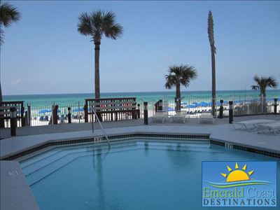 Princess' oversized outdoor pool.  http://emeraldcoastpcb.com/Vacation-Rentals/86