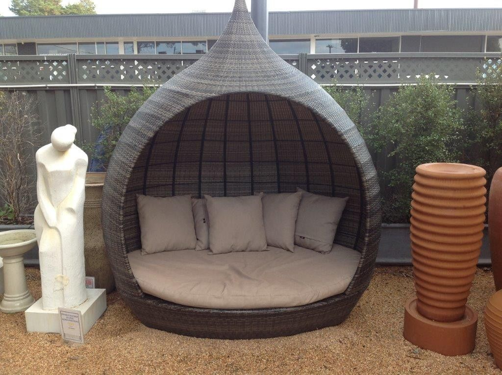 shelta outdoor furniture temple daybed available from outdoorelegancecomau - Garden Furniture Day Bed