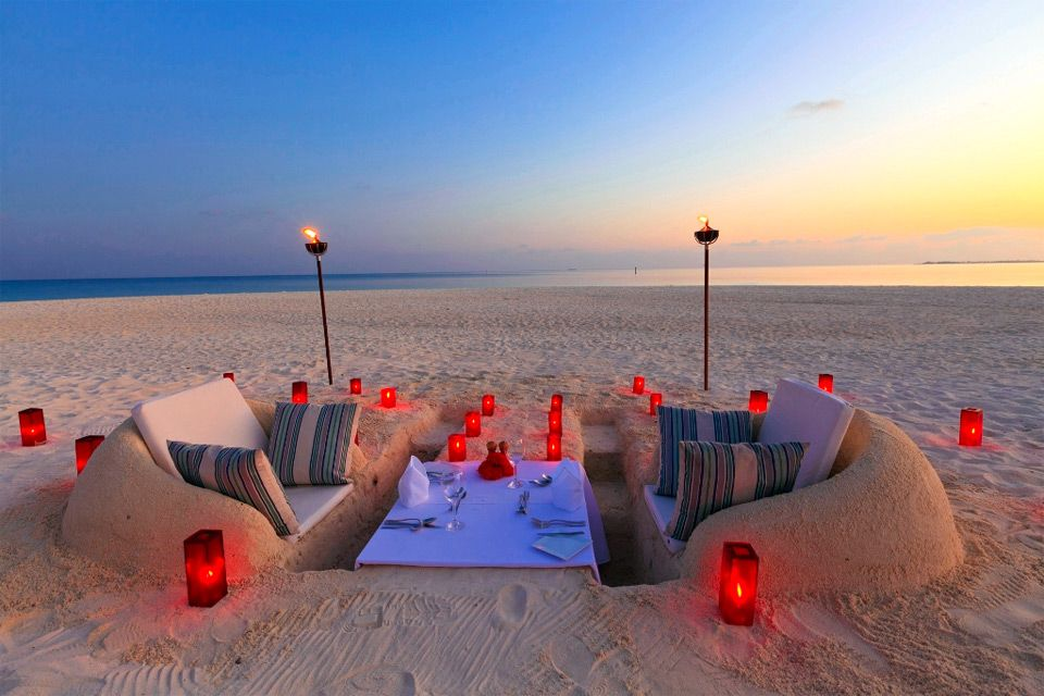 Beach Dining Sand Chairs And Table Outdoor