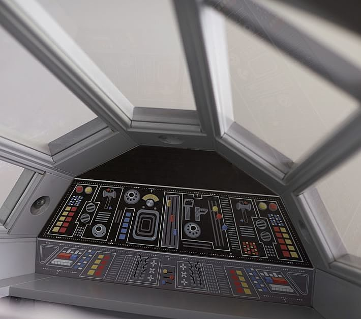 Inside The Bed There S A Control Center Suited For Han
