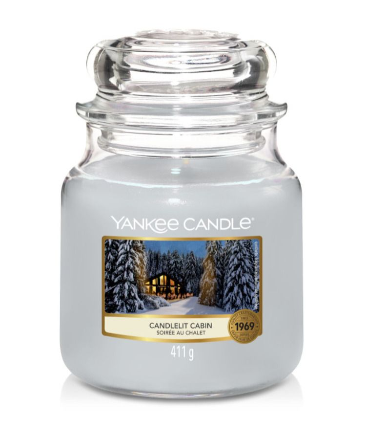 Candlelit Cabin Yankee Candle Christmas In 2020 Yankee Candle Christmas Wood Wick Candles Yankee Candle