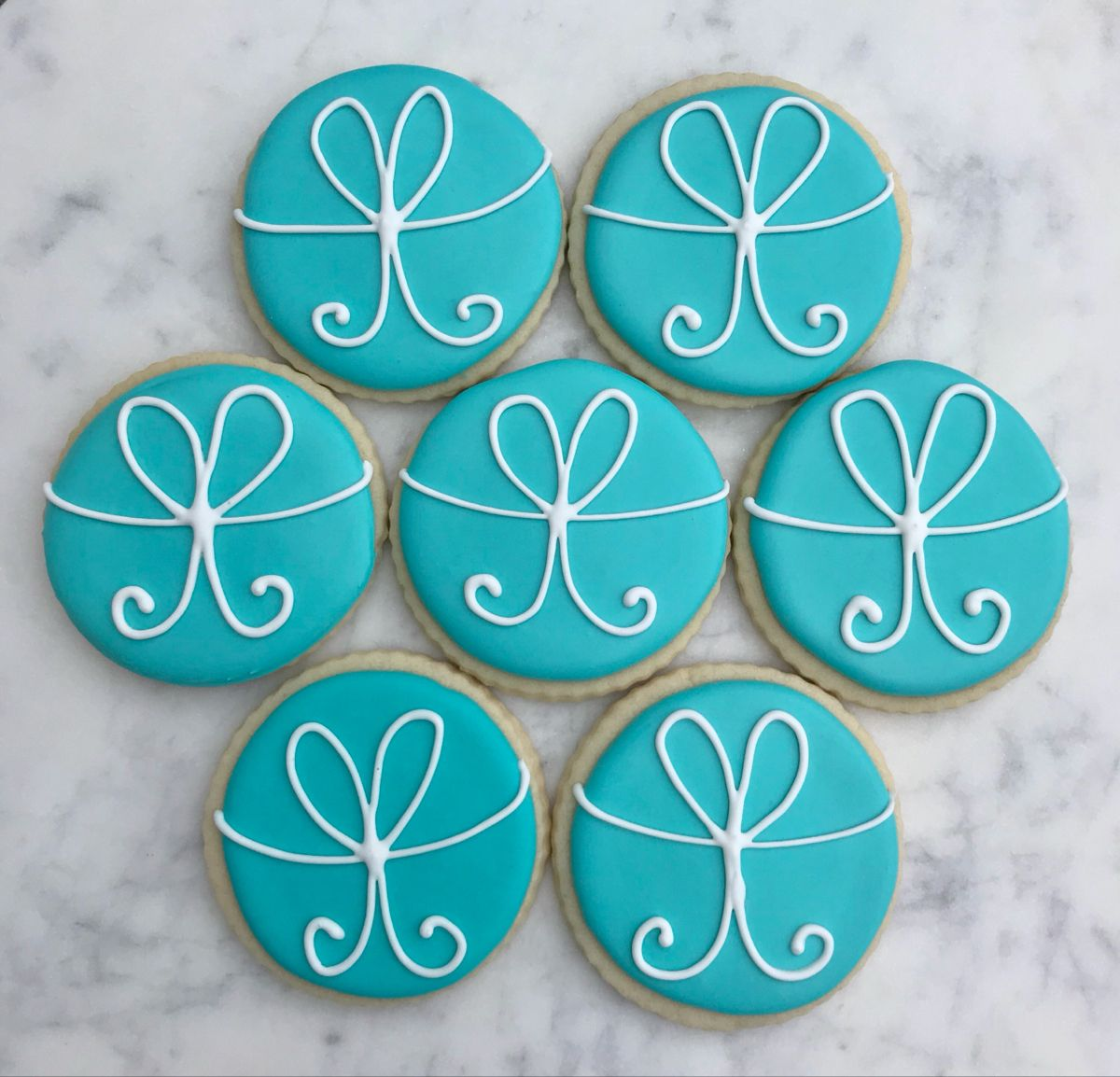 #decoratedsugarcookies #decoratedcookies #sugarcookies #tiffanyandco #tiffanyblue