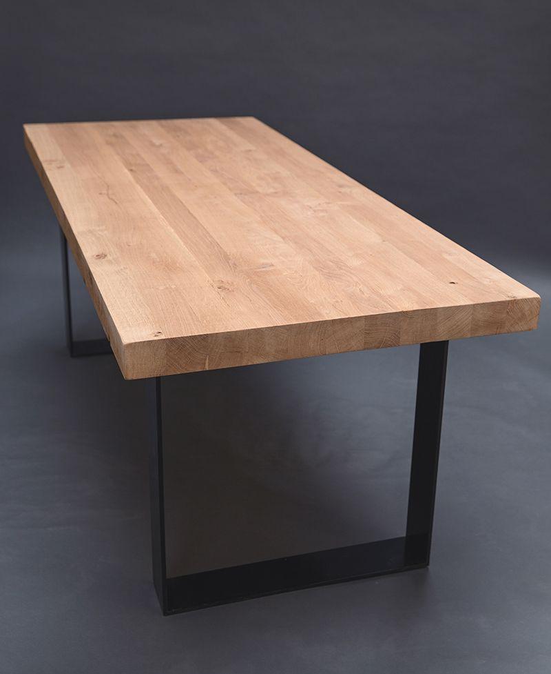 Cette Somptueuse Table Est Realisee A Base De Poutres De Bois De Chene Massif D Environ 7 Centimetres Sur 7 Table Bois Table Salle A Manger Salle A Manger Bois