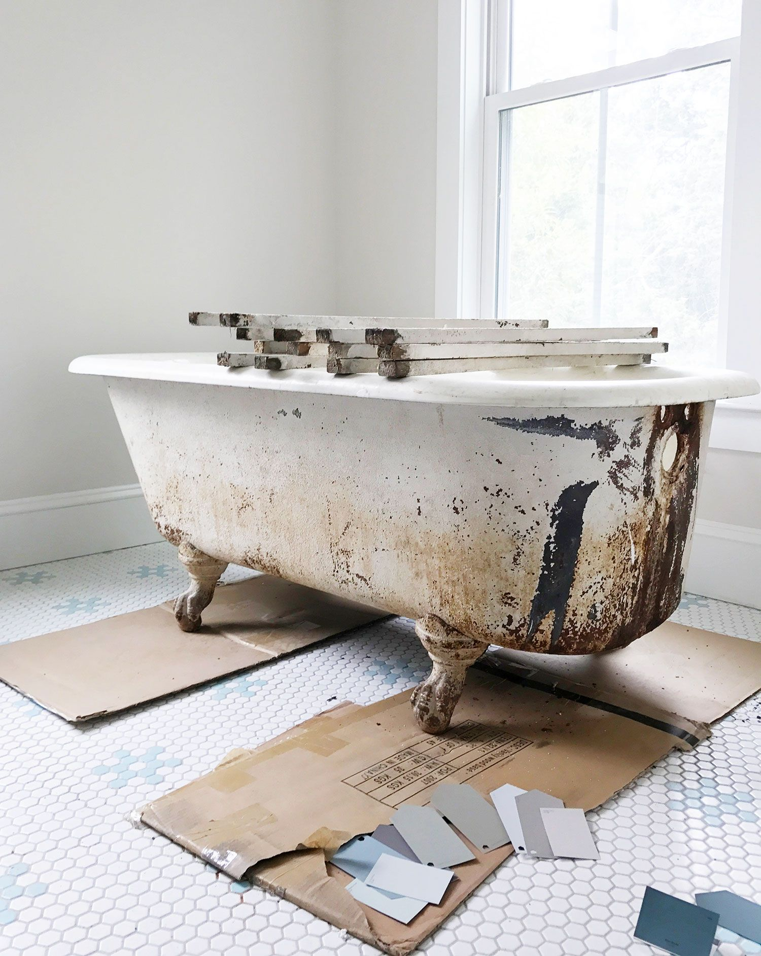 How To Refinish A Nasty, Old Clawfoot Tub | DIY Ideas | Pinterest ...