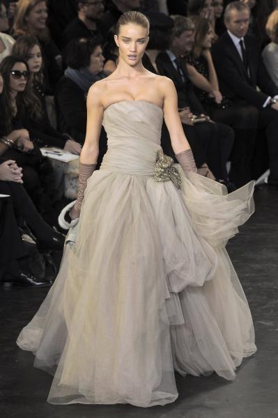 Louis Vuitton Evening dress | Grey | Pinterest | Louis vuitton ...
