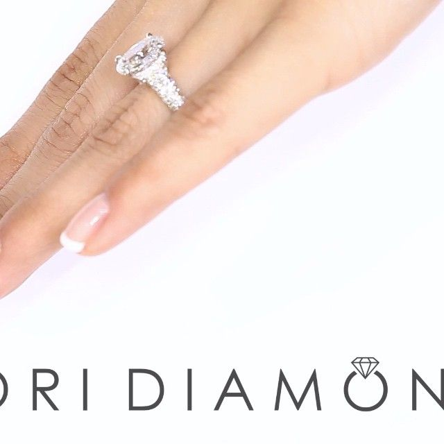 5.56 Carat D-SI1 Certified Oval Cut Diamond Engagement Ring 18k White Gold - Style # ER-1253 - $25,800
