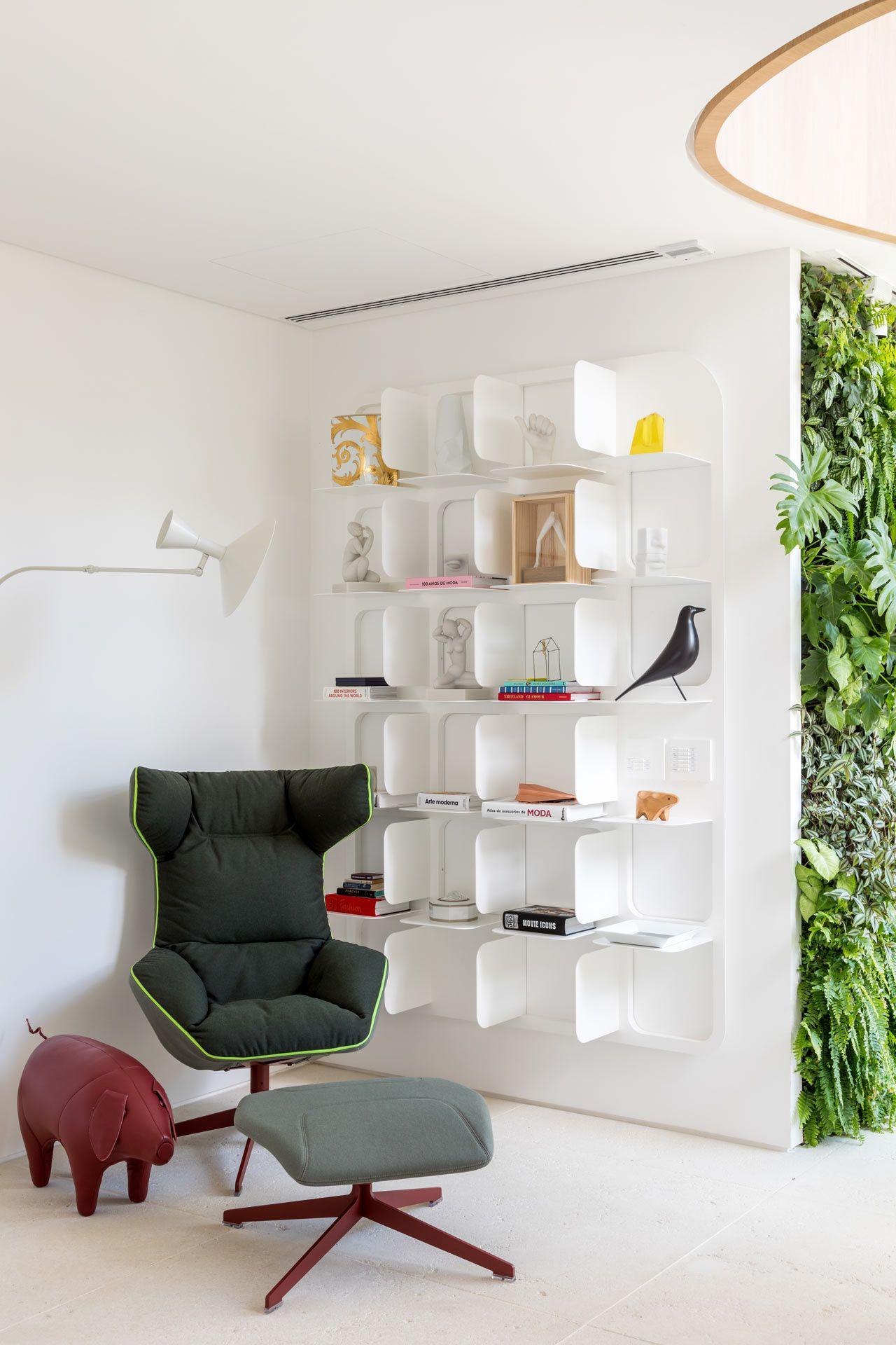 Tria arquitetura revitalize a 90s apartment in são paulo brazil design milk