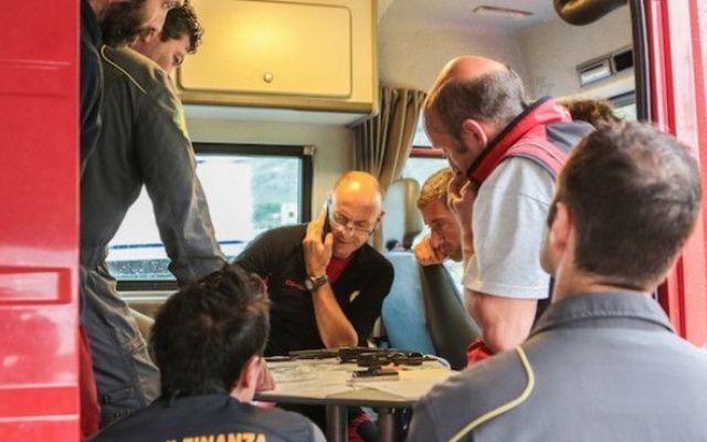 Trovato l'elicottero disperso: morti i tre membri dell'equipaggio #elicottero #sondrio #ritrovato