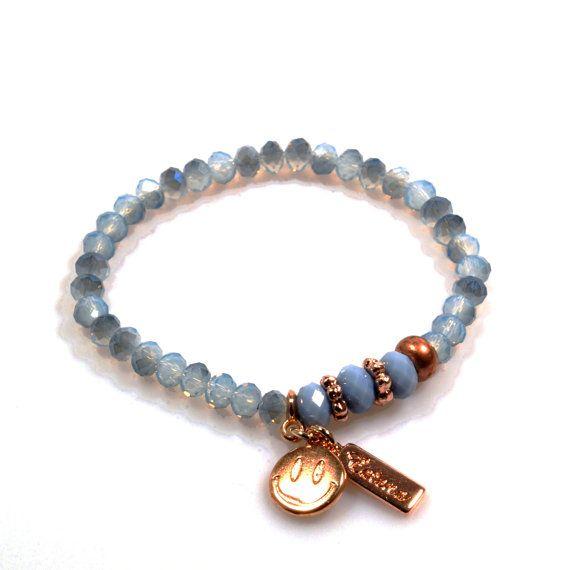 Mix en Match armbandje rose goud met grijs blauw met smiley bedeltje, Ibiza stijl bedel armbandjes - boho mix armbandjes, cadeau sieraden