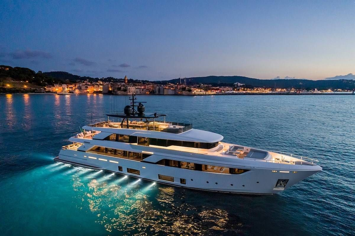 Custom Line Navetta 42 Is The Shipyard S Largest Yacht With