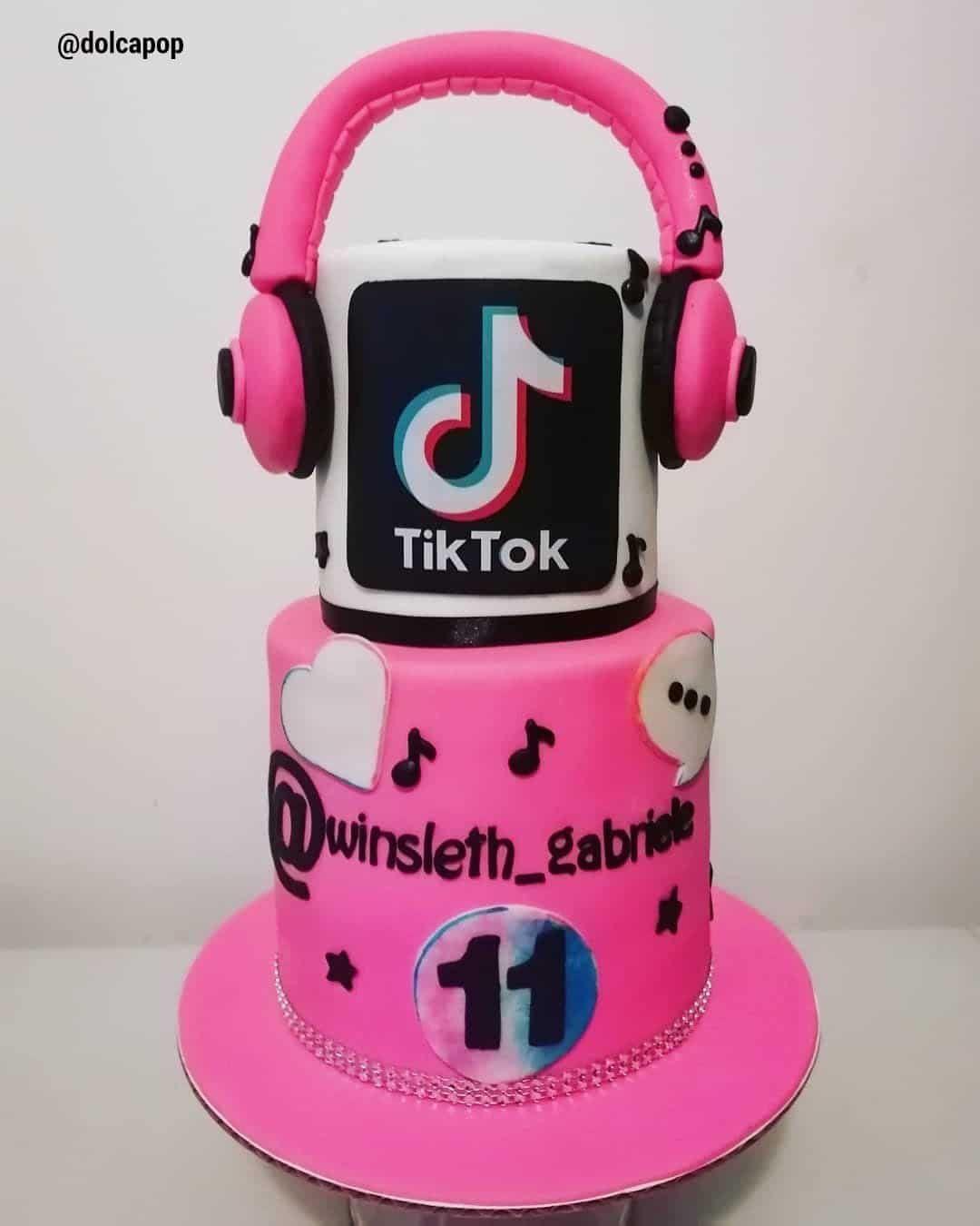 13 Cute Tik Tok Cake Ideas Some Are Absolutely Beautiful Birthday Cake Girls 14th Birthday Cakes 12th Birthday Cake