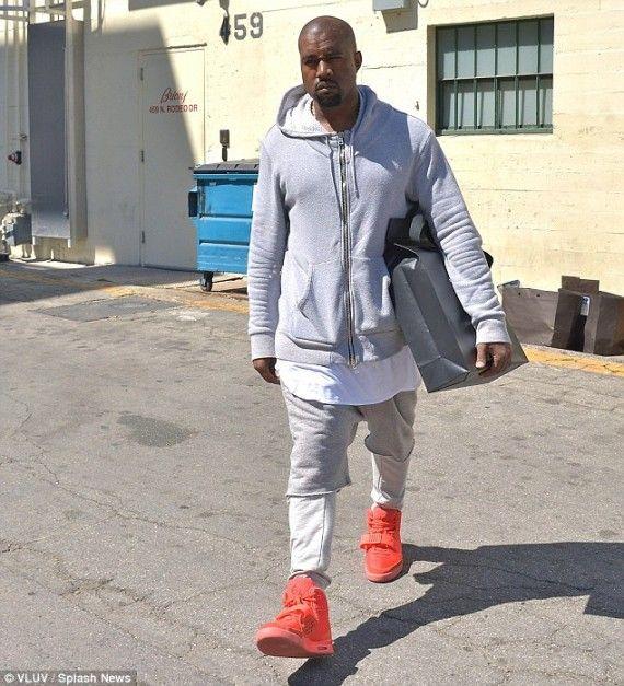 426c059713ab7 Kanye West Wears
