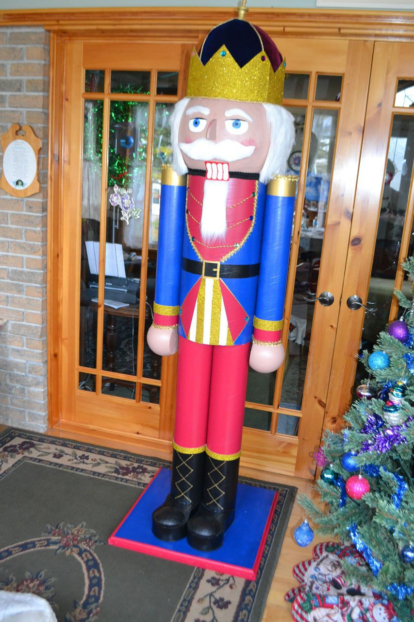 Yes You Can Make This Nutcracker That Stands Over 6 Feet Tall Make It Alone Or As A Tea Nutcracker Christmas Decorations Nutcrackers Diy Nutcracker Christmas