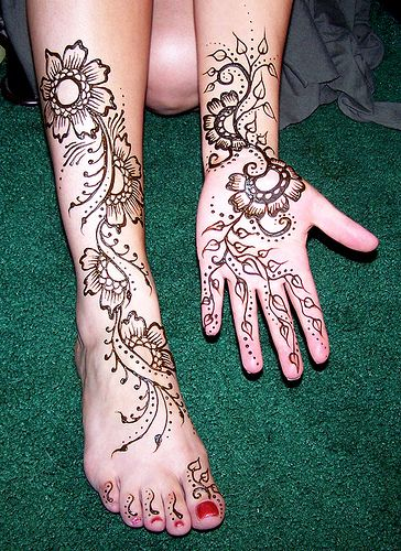 Custom temporary tattoo design henna on clients leg and for Custom henna tattoo