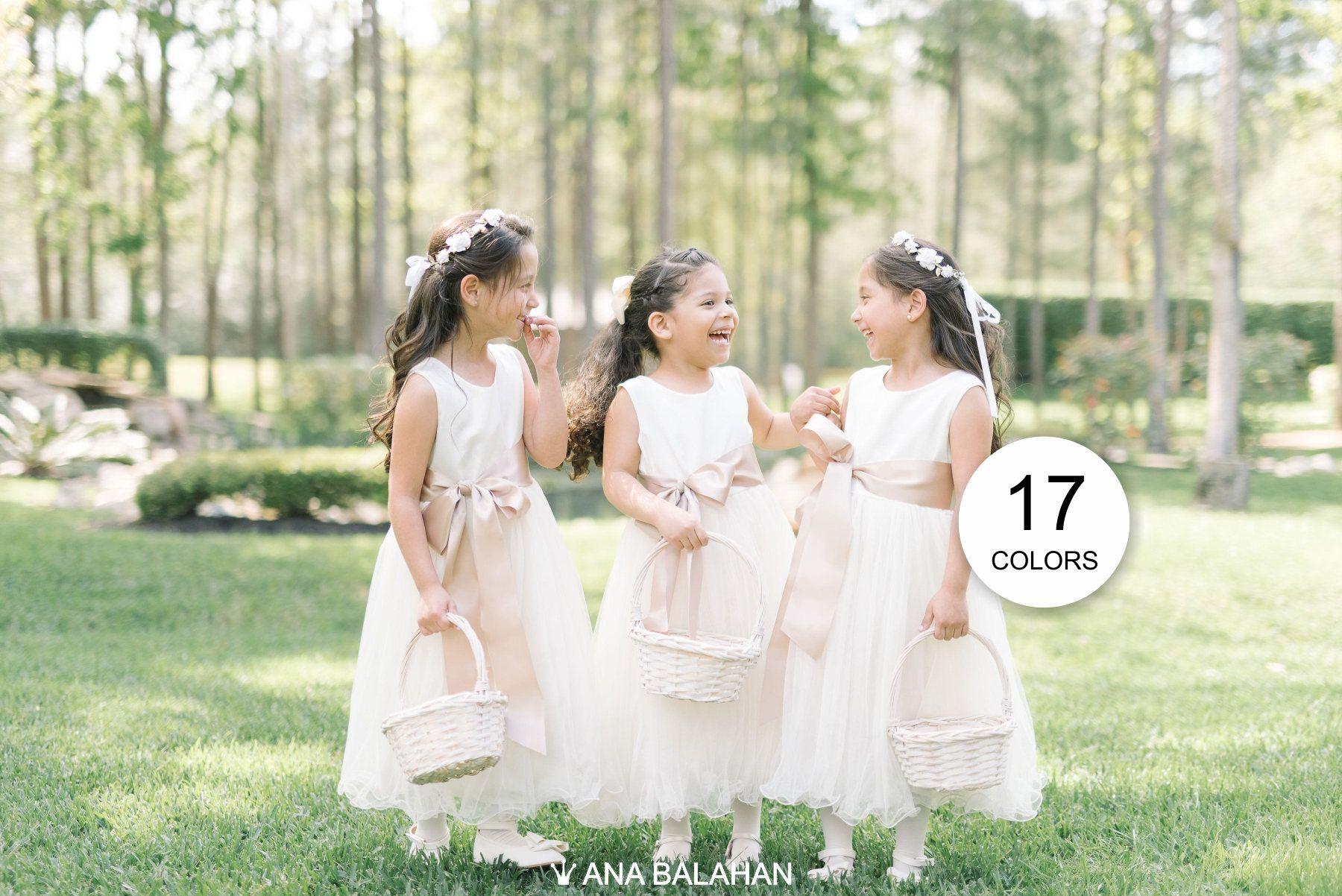 Dieses klassische Mädchen Kleid schlichte Design ist ideal nicht nur ...
