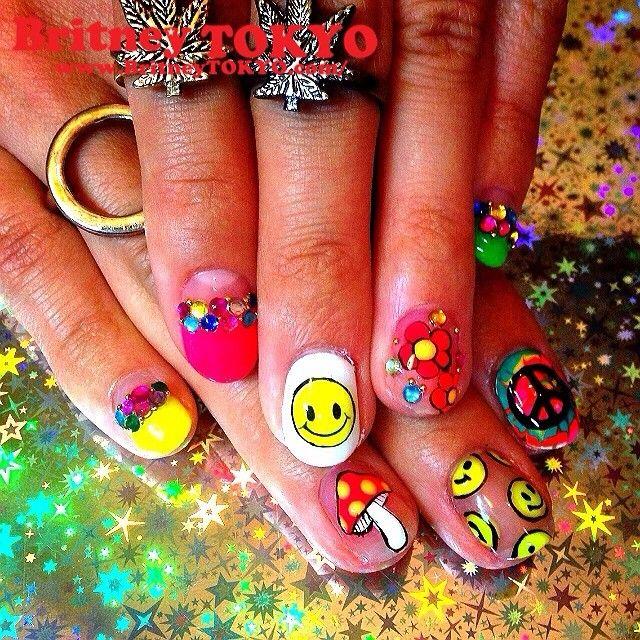 Coachella-ish #NailArt #coachella #LA