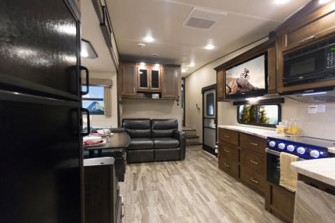 Reflection 150 Series Fifth-Wheel Gallery | Grand Design