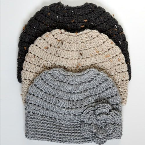 Messy Bun Hat in 3 SizesThis crochet pattern / tutorial is available for free... Full post:Messy Bun Hat in 3 Sizes