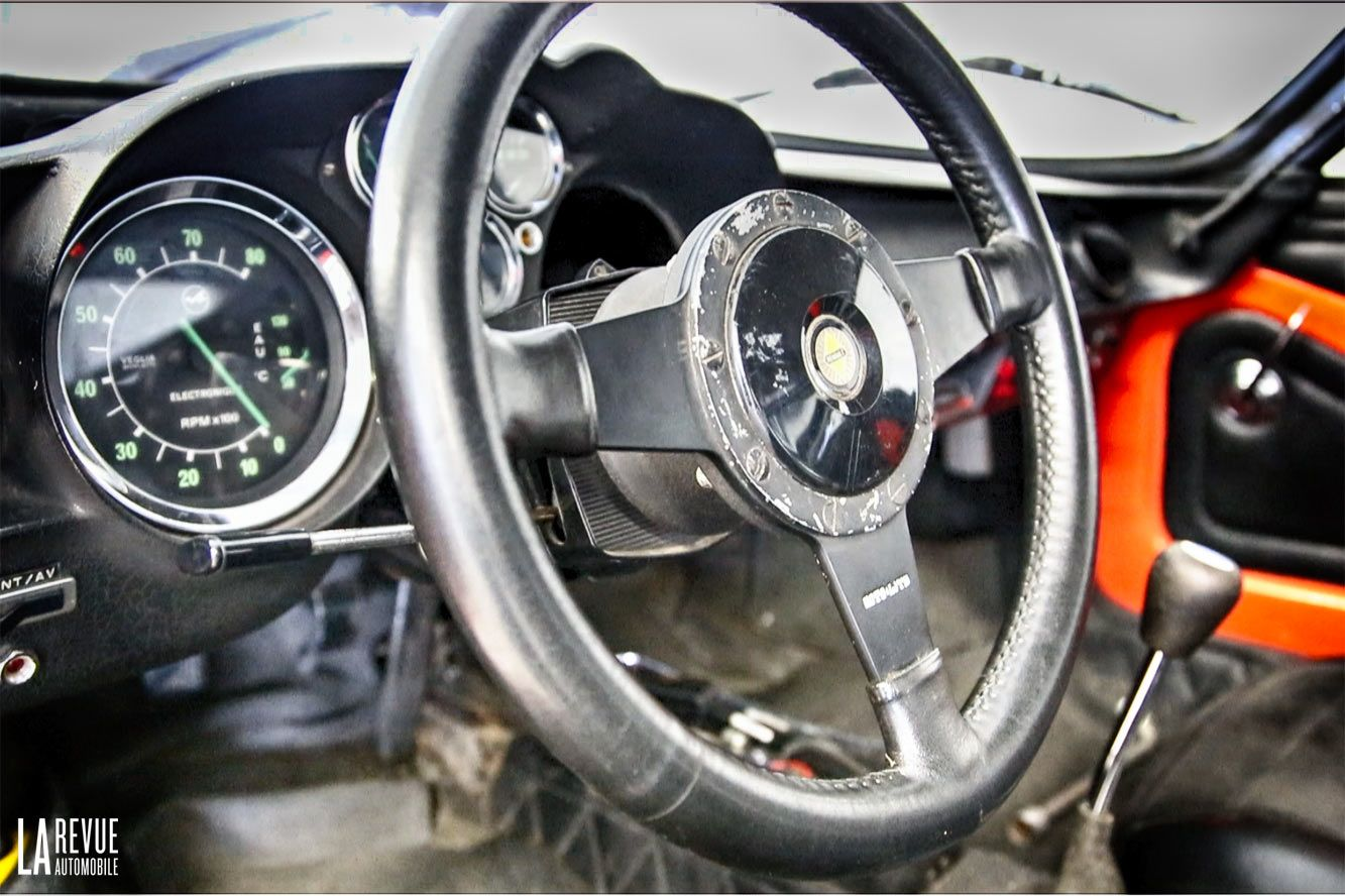 Nouvelle image renault alpine a110 interieur alpine for Interieur alpine a110
