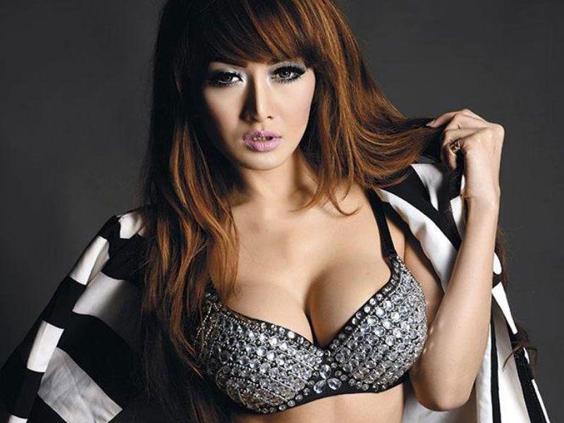 Rhere Valentina