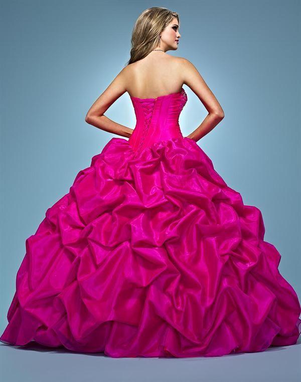 Foto de Vestido de 15 años - Color Rojo o Lápiz Labial Más vestidos ...