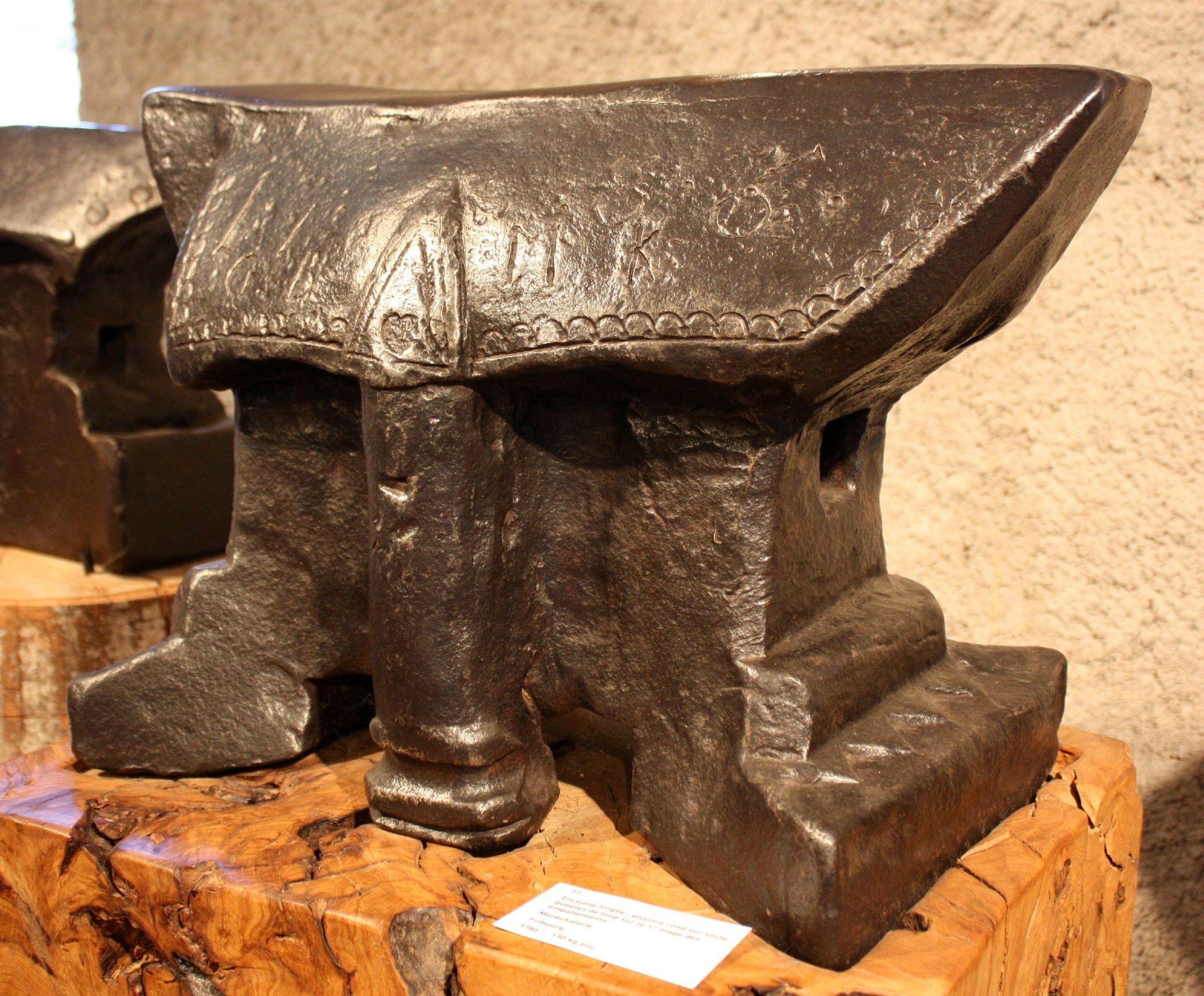 MDF17-06 1786 Farrier's anvil, Fribourg region.  Forged with a round pillar on a pedestal.  Iron and Railway Museum, Vallorbe, 2012 expo. Wgt: ~130kg.