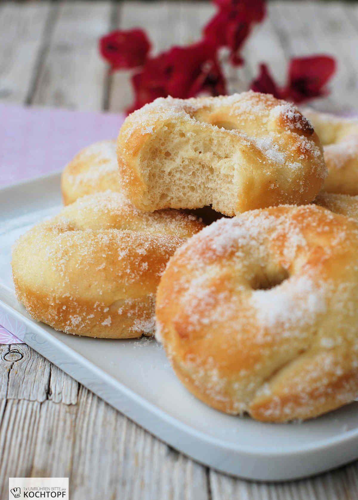 hefe doughnuts aus dem ofen rezept donuts bagels whoopies mini pies cronuts backen. Black Bedroom Furniture Sets. Home Design Ideas