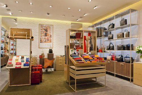 Le Tanneur se renouvelle et dévoile un nouveau concept de boutique conçu par le designer Christophe Pillet.