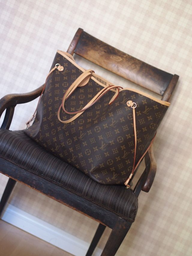 Louis Vuitton Neverfull...my absolute fave go to bag!