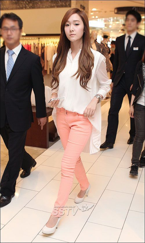 jessica jung: business casual