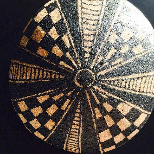 #art #artrocks #afslapning #beautiful #interiør #indretning #sten #stone #stoneart #draw #desig #doodle #drawing #Lykkesten #likeforlike #handmade #krea#masterpiece#rockdrawing#lenz#beautiful_stones