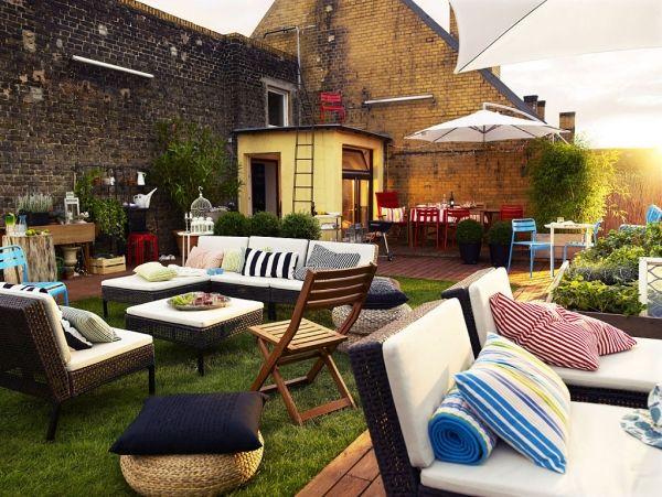 Wir bieten ihnen einige ideen für garten sichtschutz aus naturmaterialien die sich harmonisch mit der modernen terrasseneinrichtung verbinden privatsphäre